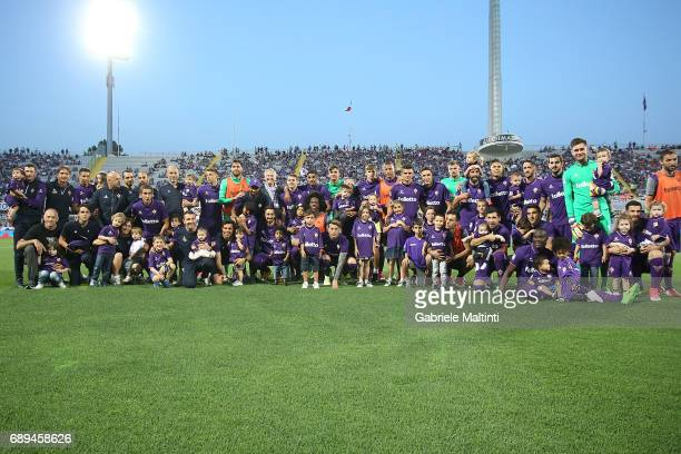 Fiorentina poses prior to the Serie A match between ACF Fiorentina and Pescara Calcio at Stadio Artemio Franchi on May 28 2017 in Florence Italy
