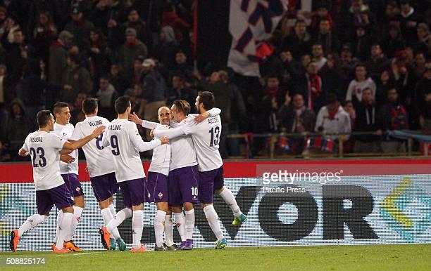 Fiorentina's defender Federico Bernardeschi celebrates after scoring a goal 01 with teammates during the Italian Serie A football match between...