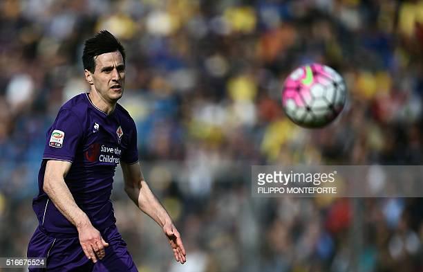 Fiorentina's forward from Croatia Nikola Kalinic runs for the ball during the Italian Serie A football match Frosinone vs Fiorentina at the Matusa...