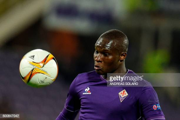 Fiorentina's forward from Senegal Khouma Babacar looks at the ball during the round qualifying UEFA Europa League match Fiorentina versus Os...