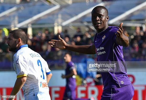 Fiorentina's forward from Senegal Khouma Babacar reacts during the Italian Serie A football match Fiorentina vs Frosinone at the Franchi stadium in...