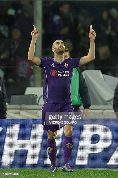 Fiorentina's midfielder from Spain Borja Valero celebrates after scoring a goal during the Italian Serie A football match Fiorentina vs Inter Milan...