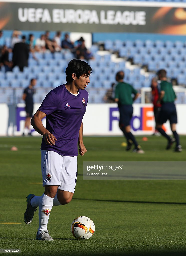 Fiorentina's midfielder Matias Fernandez during the UEFA Europa League match between Os Belenenses and ACF Fiorentina at Do Restelo Stadium on...