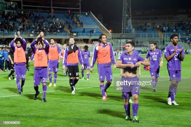 Fiorentina's team greets fans after qualifying for the UEFA Europa League after the Italian Serie A football match Pescara Calcio vs ACF Fiorentina...