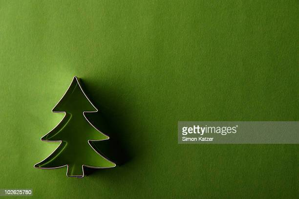 fir tree cake pan on green ground