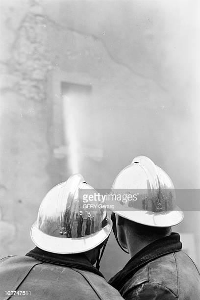 Fire At The Taninges Orphanage En France dans la nuit du 6 au 7 mars 1967 un incendie ravage une ancienne abbaye la Chartreuse de Mélan près de...