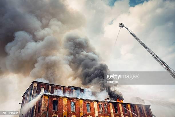 Para la extinción de incendios