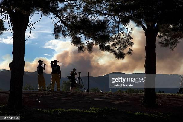 Pompiers Regardez de feu de forêt de Colorado Springs