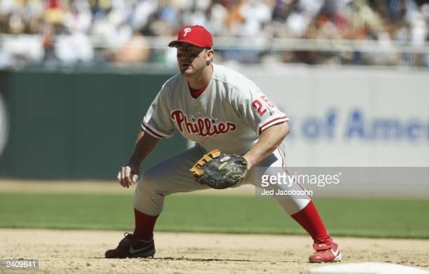 First baseman Jim Thome of the Philadelphia Phillies plays defense against the San Francisco Giants during the MLB game at Pac Bell Park on August 9...