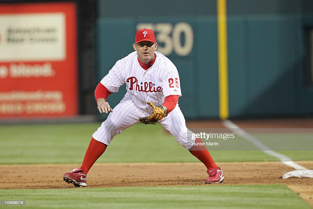 First baseman <a gi-track='captionPersonalityLinkClicked' href=/galleries/search?phrase=Jim+Thome&family=editorial&specificpeople=202878 ng-click='$event.stopPropagation()'>Jim Thome</a> #25 of the Philadelphia Phillies sets into position during a game against the Chicago Cubs at Citizens Bank Park on April 28, 2012 in Philadelphia, Pennsylvania.