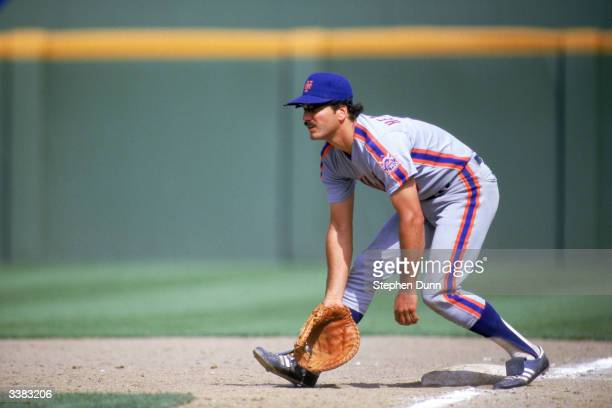 First baseman Keith Hernandez of the New York Mets fields a grounder during a 1986 game against the San Diego Padres at Jack Murphy Stadium in San...