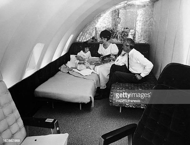 First Boeing 747100 Commercial Flight Le 22 janvier 1970 l'avion de ligne 747100 conçu par l'avionneur américain Boeing effectue son premier vol...