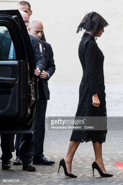 First Lady Melania Trump arrives to meet Pope Francis on May 24 2017 in Vatican City Vatican