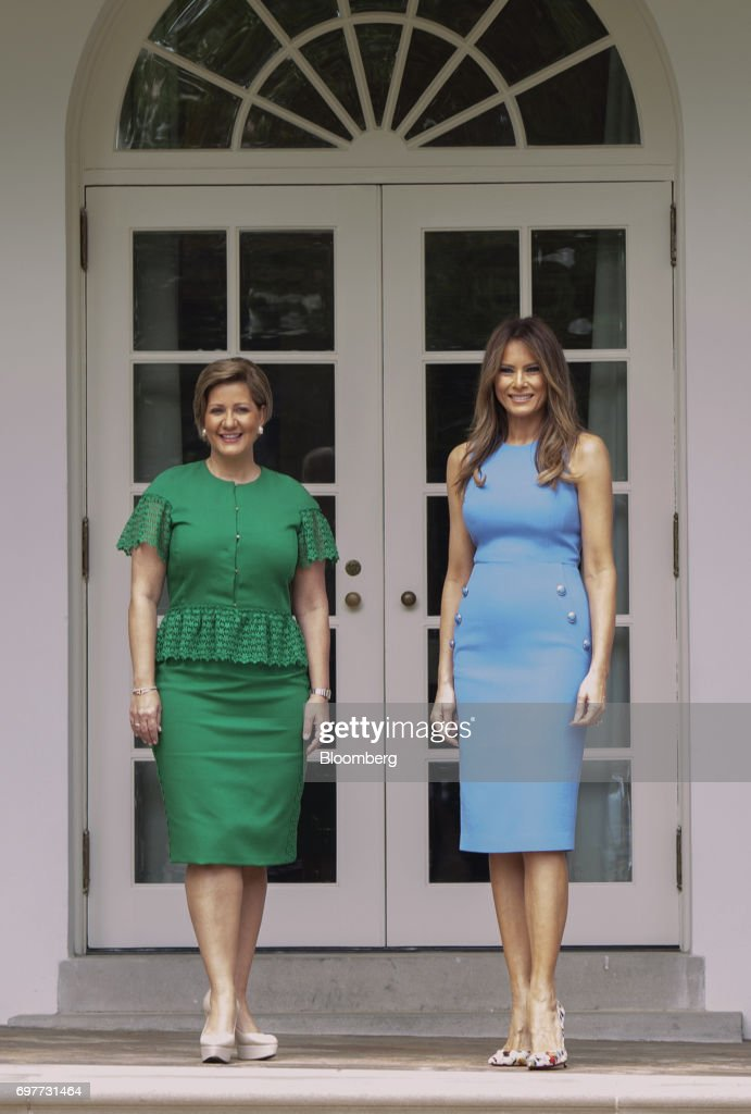 U.S. First Lady Melania Trump, right, and Lorena Castillo Garca de Varela, first lady of Panama, stand for photographs near the Oval Office of the White House in Washington, D.C., U.S., on Monday, June 19, 2017. The U.S. is Panama's number one source of imports, accounting for 17 percent or $4.68 billion of the country's total imports, according to Massachusetts Institute of Technology's Observatory of Economic Complexity. Photographer: Molly Riley/Pool via Bloomberg