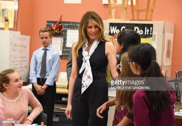 US First Lady Melania Trump visits Bak Middle School for the Art in West Palm Beach Florida on April 7 201717 / AFP PHOTO / Michele Eve Sandberg