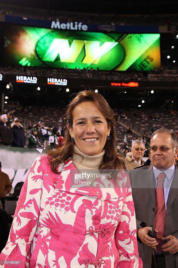 Celebrities Attend Cincinnati Bengals Vs. New York Jets - November 25, 2010