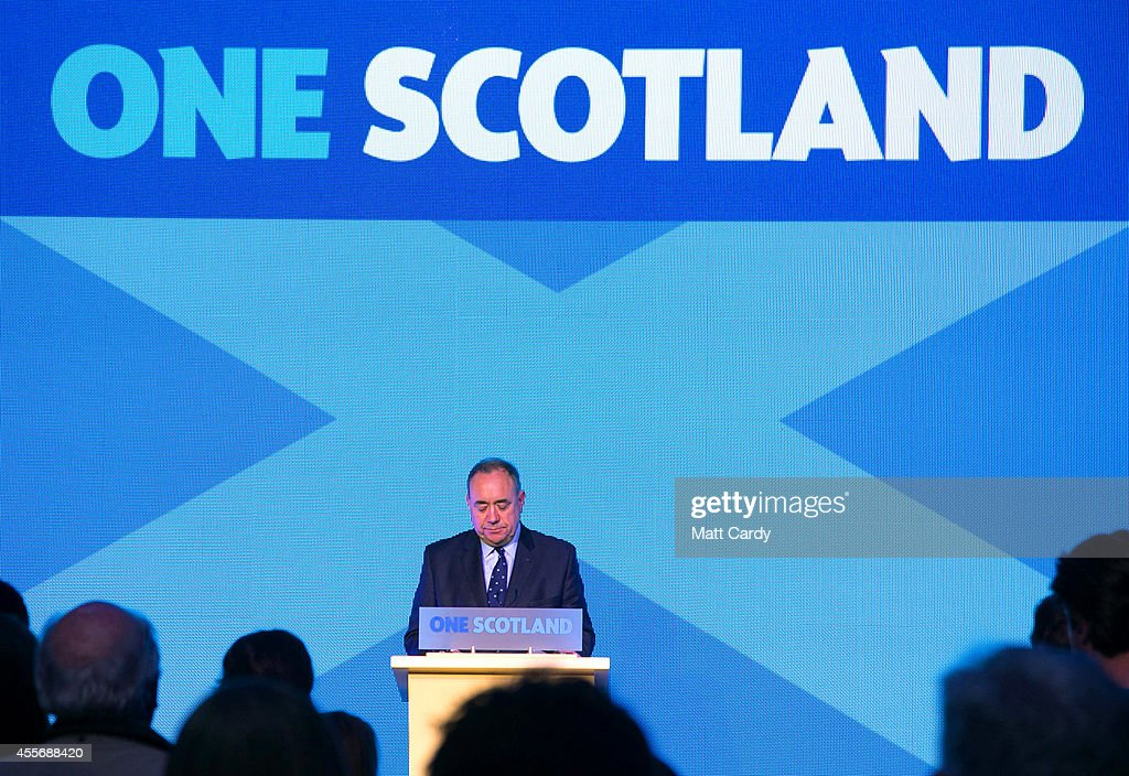 First Minister <a gi-track='captionPersonalityLinkClicked' href=/galleries/search?phrase=Alex+Salmond&family=editorial&specificpeople=857688 ng-click='$event.stopPropagation()'>Alex Salmond</a> delivers a speech to supporters at Our Dynamic Earth on September 19, 2014 in Edinburgh, Scotland. The majority of Scottish people have today voted 'No' in the referendum and Scotland will remain within the historic union of countries that make up the United Kingdom.