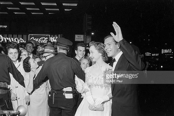 First Of The Film The Prince And The Dancer In New York City En 1957 aux Etats Unis à l'occasion de la première du film 'Le prince et la danseuse' de...