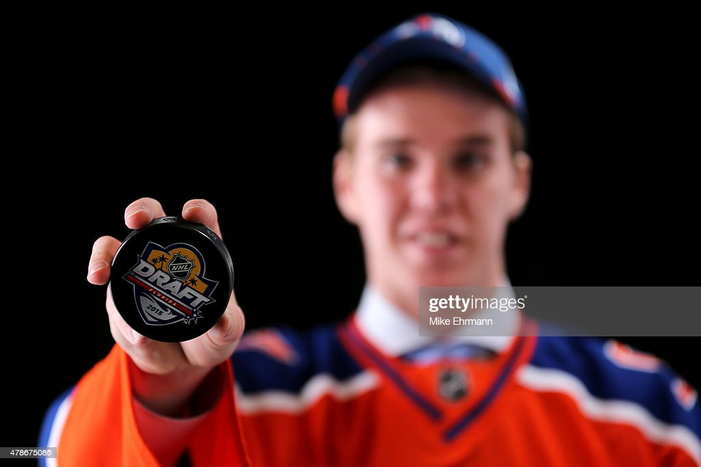 First overall pick <a gi-track='captionPersonalityLinkClicked' href=/galleries/search?phrase=Connor+McDavid&family=editorial&specificpeople=9756794 ng-click='$event.stopPropagation()'>Connor McDavid</a> of the Edmonton Oilers poses for a portrait during the 2015 NHL Draft at BB&T Center on June 26, 2015 in Sunrise, Florida.