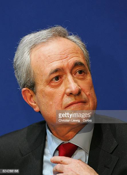 First round campaign of the 2008 primary local elections of the French political party the UMP in Paris Jean Tiberi mayor of the 5th arrondissement...