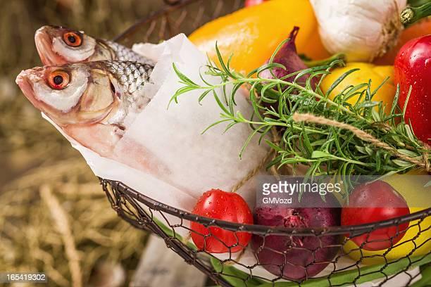 Fisch und Gemüse frisch vom Markt, aus Bio-Baumwolle
