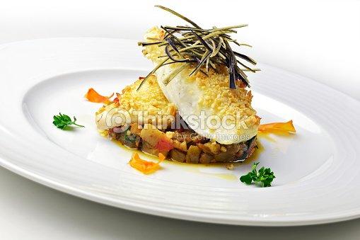 Filete de pescado plato de rodaballo con berenjenas pie y - Platos gourmet con pescado ...