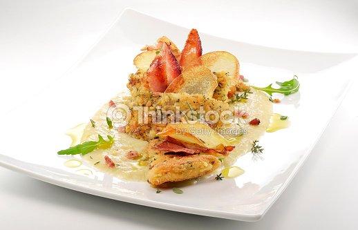 Piatto Di Pesce Pasta Filetti Di Rombo Sapore Cips Rosti Creamed P