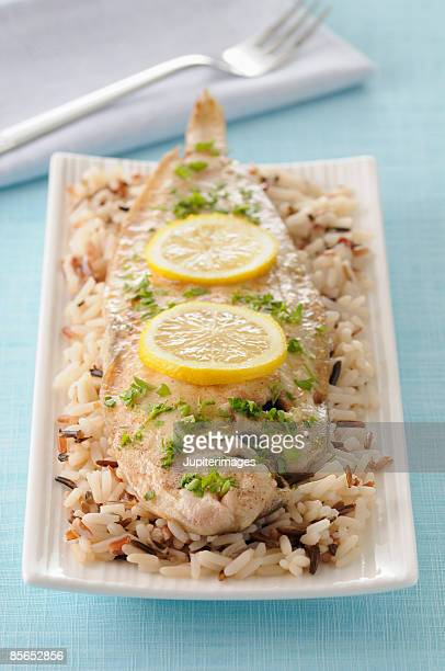 Fish with lemon and rice