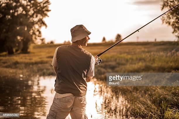 La rivière voja le domaine de Riazan la pêche