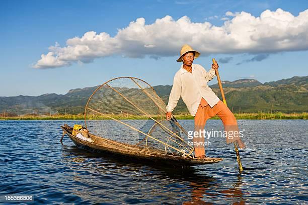 インレー湖の漁師は、ミャンマー