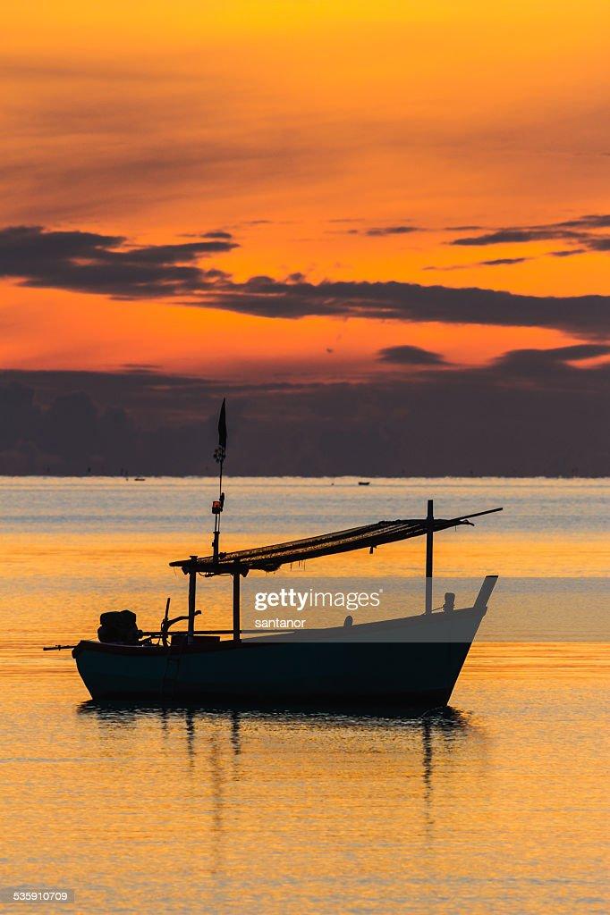 Fischerboot in den sunrise Stimmung : Stock-Foto