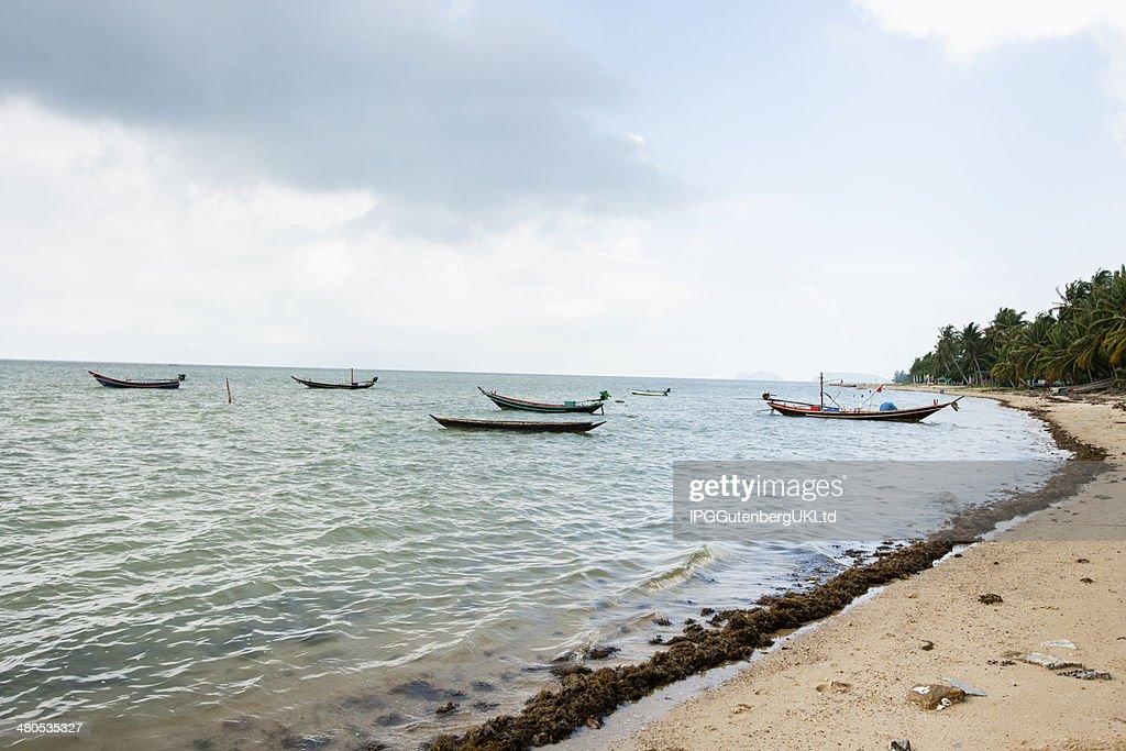 Fischerboote am Strand; : Stock-Foto