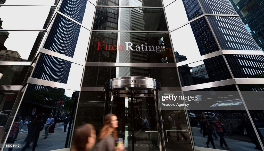 Fitch Ratings, the third-largest debt ratings firm, placed a 'negative ratings watch' on the US citing political brinkmanship on October 15. After sixteen days of a government shutdown, and with just a day before the US risked defaulting on its debt, the US Congress voted to end the government shutdown on October 16.