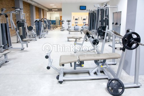 club de remise en forme salle de sport avec quipement de sport lint rieur photo thinkstock. Black Bedroom Furniture Sets. Home Design Ideas