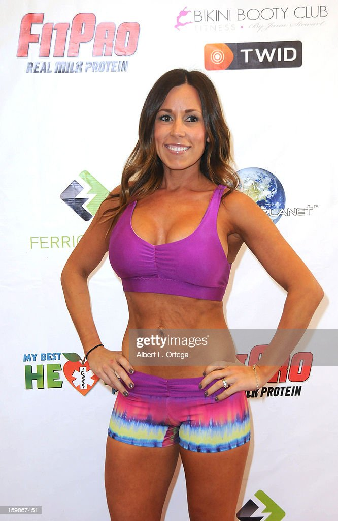 Fitness model Sunshine participates in the Red Carpet Health Expo held at The Vitamin Shoppe on January 12, 2013 in Los Angeles, California.
