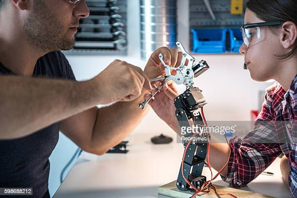 Fixing robot arm