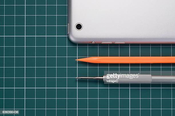 Fixing Smart Phone by Professional Tools