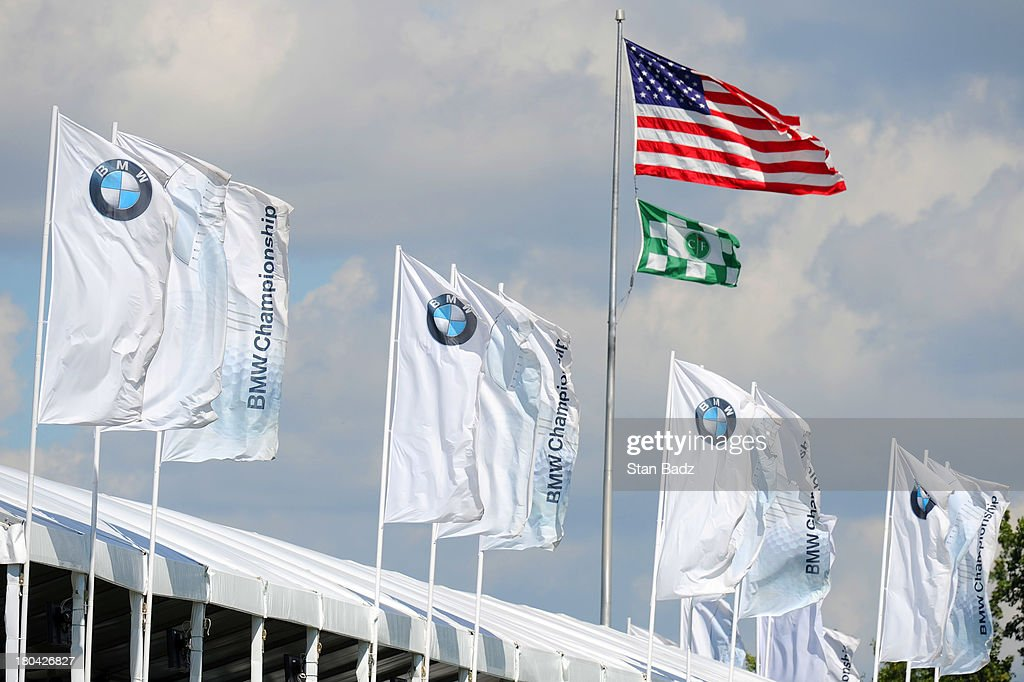 Flags on the 18th hole show the wind direction during the first round of the BMW Championship at Conway Farms Golf Club on September 12, 2013 in Lake Forest, Illinois.