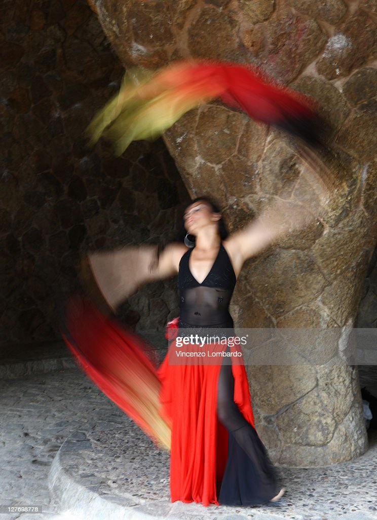 Flamenco dancer (blurred motion) : Stock Photo