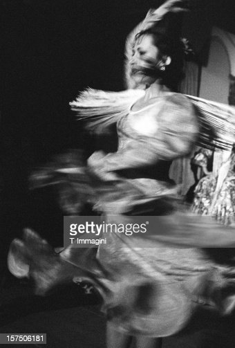 Flamenco spin dancer