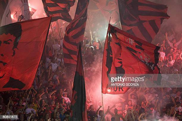 Flamengo's supporters celebrate their victory by 2 to 0 against Coronel Bolognesi of Peru on April 23 2008 during their 2008 Libertadores Cup...
