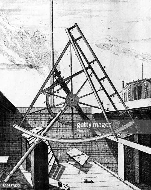 Flamsteed's equatorially mounted sextant fitted with telescope View from telescope side On right of picture is the top of exterior of the Octagon...