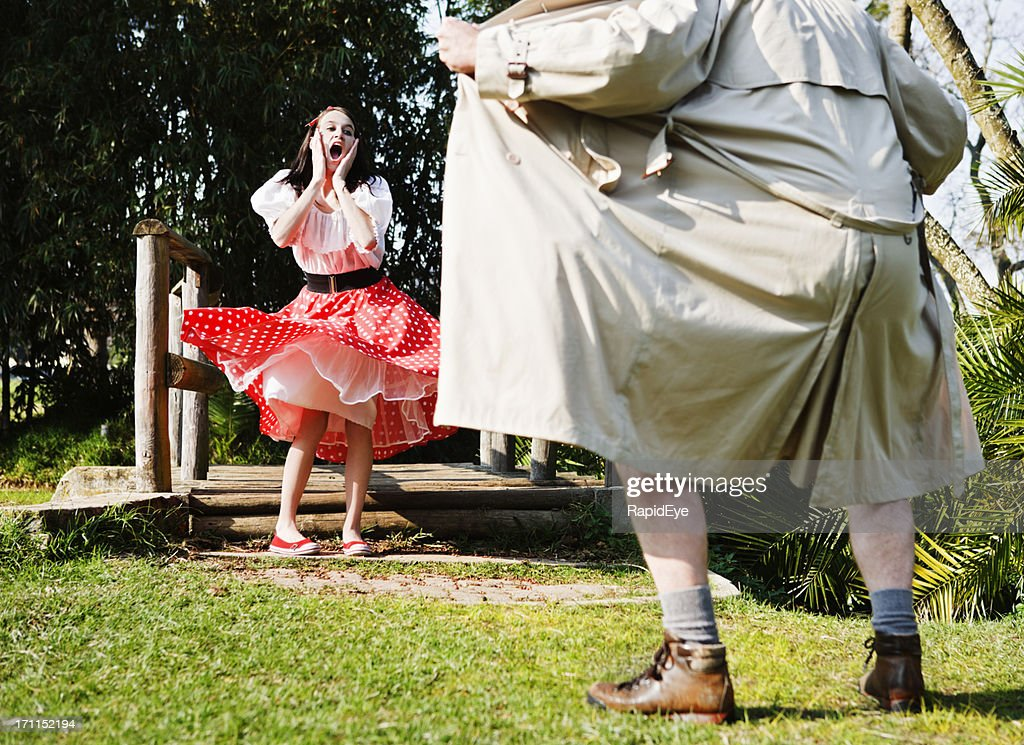 Flasher exposes himself to terrified young girl : Stock Photo