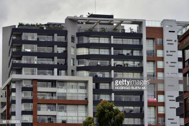 Flats displaying banners are offered for rent in Quito on March 24 2017 The collapse of the real estate market in Ecuador is not the cause of the...