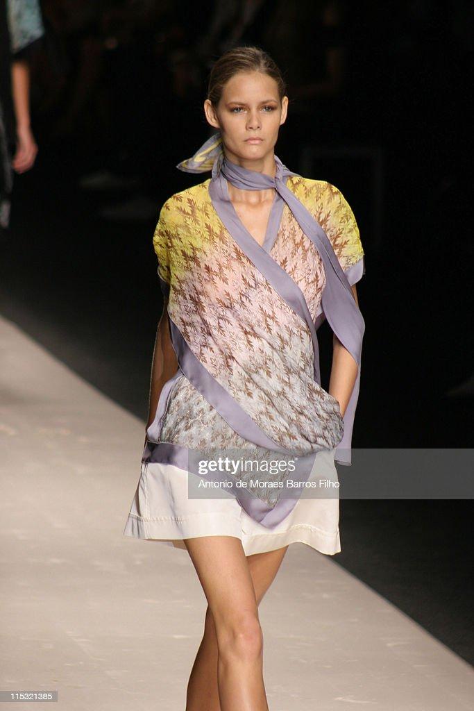 Milan Fashion Week Spring/Summer 2007 - Missoni - Runway