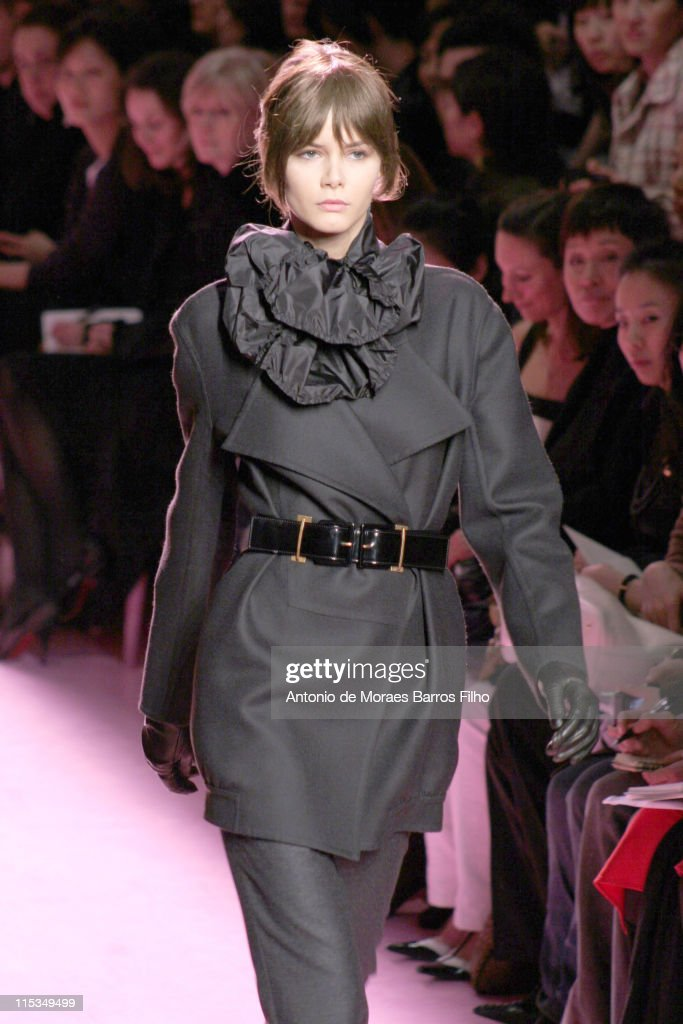 Paris Fashion Week - Autumn/Winter 2006 - Ready to Wear - Yves Saint Laurent -