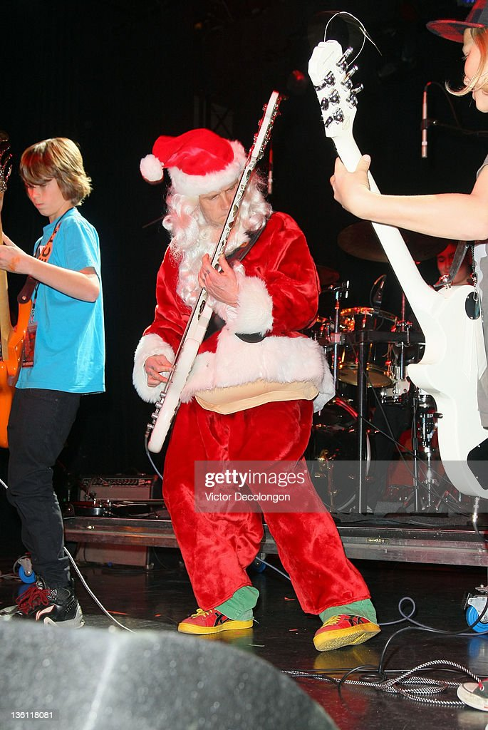 <a gi-track='captionPersonalityLinkClicked' href=/galleries/search?phrase=Flea+-+Musician&family=editorial&specificpeople=213900 ng-click='$event.stopPropagation()'>Flea</a> performs with Live Wire during the Silverlake Conservatory Of Music's 'Hullabaloo' Benefit Concert at El Rey Theatre on December 22, 2011 in Los Angeles, California.