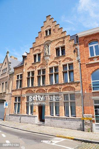 Culture flamande photos et images de collection getty images for Architecture flamande