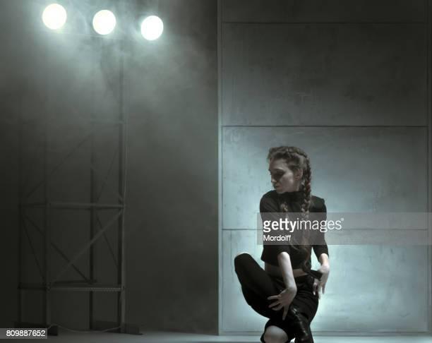 Danseuse souple de Style moderne