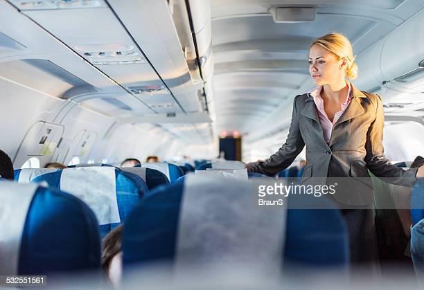 Assistente di volo in servizio.